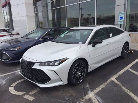 New 2020 Toyota Avalon XSE FWD 4dr Car